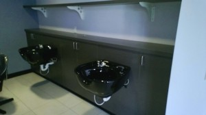 Cut Hut - UT Austin - Shampoo Bowls